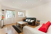 4 bedroom house to rent in Fitzalan Street...