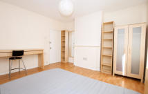 Flat to rent in Orb Street...