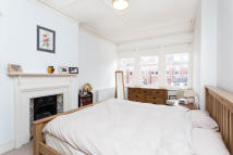 Flat to rent in Thirlmere Road...