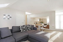 2 bed Flat to rent in Burstock Road, Putney...