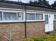 2 bed Bungalow in Chantry Close, Cambridge...