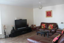 Flat to rent in Barrier Point Road...