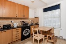 Ground Flat to rent in London Road...