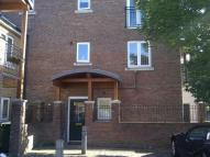Town House to rent in Lightermans Way...