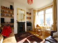 Flat to rent in Kilburn Lane...