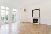 3 bed Ground Flat to rent in Fitzjohns Avenue...