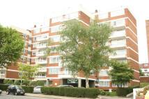 2 bedroom Flat to rent in Regents Park Road...