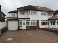 Broadfields Avenue semi detached property to rent