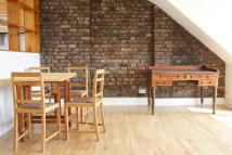 1 bedroom Flat to rent in Parolles Road, Archway...