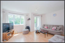 Flat to rent in Shaftesbury Street...