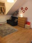 Studio flat to rent in Chichele Road...