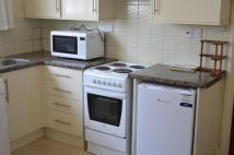 1 bed Studio flat in West Stockwell Street...