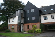 Apartment to rent in Caunter Road, Speen...