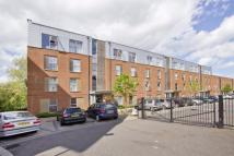 2 bed Ground Flat in Medway Drive...