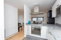2 bed Penthouse in College Road...