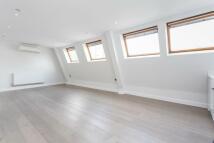 Apartment to rent in Wardour Street...