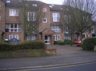 Ground Flat in Grange Road, Sutton...