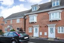 4 bedroom Town House to rent in Hussars Drive, Thatcham...