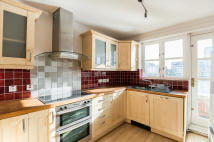 2 bed Apartment in Aland Court...