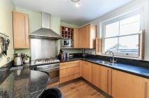 Flat to rent in Northcote Road...