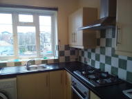 Flat to rent in Shacklewell Road, London...