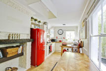 3 bedroom Terraced property to rent in Nevada Street, Greenwich...