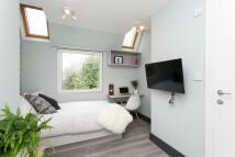 1 bed Flat to rent in Gunnersbury Lane...