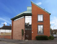 2 bed Apartment to rent in Baring Road...