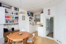 2 bedroom Flat to rent in Bisham Gardens, London...