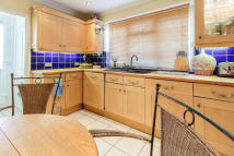 2 bed semi detached house to rent in Chelsfield Road...