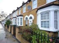 Studio flat to rent in Bradgate Road, Catford...
