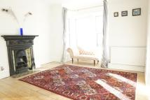 3 bed Terraced property in Westcourt Road...