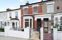 3 bedroom Flat to rent in Alderbrook Road...