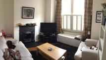 1 bedroom Ground Flat in Penwith Road, Earlsfield...