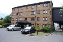 Flat to rent in Leaside Road, Clapton...