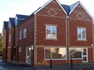 Flat to rent in High Street, Crowthorne...