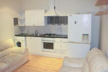 Ground Flat to rent in Blenheim Road, Stratford...