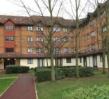 Ground Flat to rent in Orchard Grove...