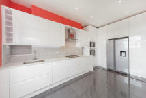 3 bed Flat to rent in Hampstead Hill Gardens...