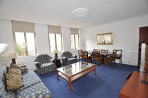 3 bed Apartment in High Road, London...