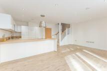 Apartment in Bridge Road, Lymington...
