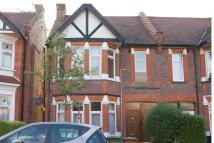 3 bed Maisonette to rent in Oxford Road, Harrow...
