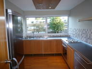 2 bedroom Flat in Mereside Way, Solihull...