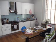 2 bed Flat in Greenwood Road, Hackney...