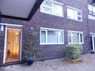 3 bedroom Maisonette in Sanders Close...