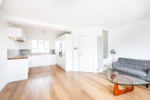 Flat to rent in Lofting Road, Barnsbury...