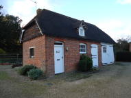 1 bedroom Detached property in Chiddingstone Causeway...