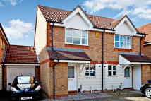 2 bedroom semi detached house to rent in Shorte Close, Headington...