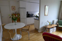 1 bed Flat to rent in Sylvan Road...