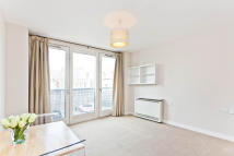 1 bed Flat to rent in Crouch End Hill...